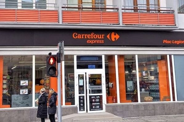 Carrefour opens 10 new stores in Poland