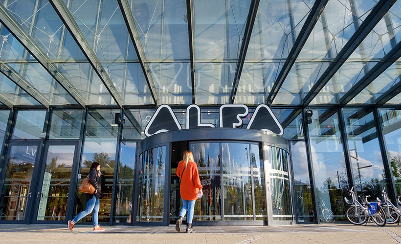 Record transaction in Riga: Akropolis Group buys Alfa shopping centre from AMD Holding